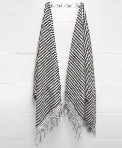 Pompom_Towel_Black_bath